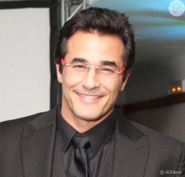 Luciano Szafir está em estado grave, segundo a colunista Fabia Oliveira, do jornal 'O Dia', após apresentar diverticulite e ar no peritônio
