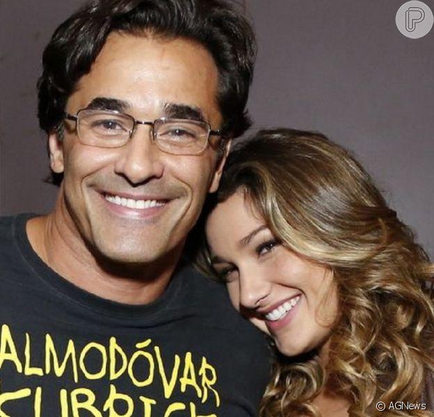 Sasha lembra casamento em foto com o pai, Luciano Szafir, ainda na UTI: 'Te amo'
