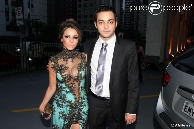 Eduardo Sterblitch e a namorada, Raissa Machado