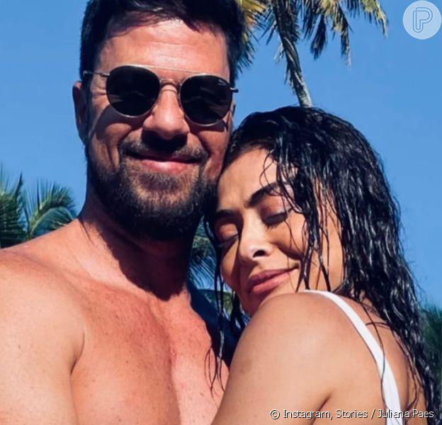 Juliana Paes exibe bumbum em foto de biquíni com o marido, Carlos Eduardo Baptista