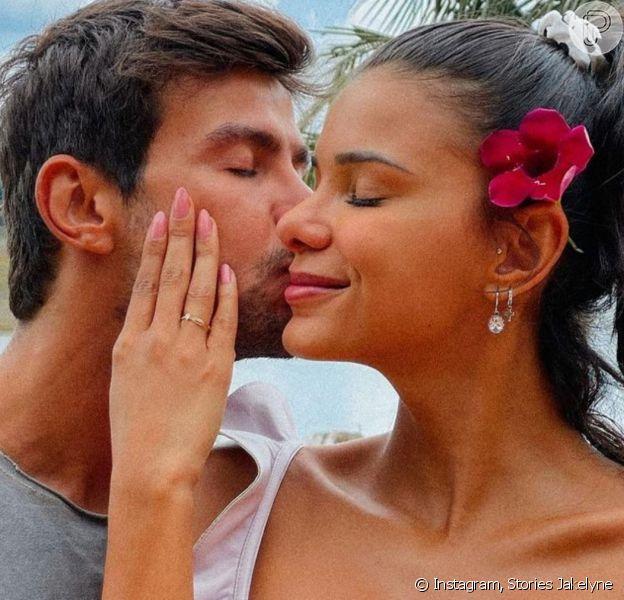 Jakelyne e Mariano mostraram o antes e depois dos narizes em suas redes sociais