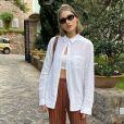 Sasha Meneghel adotou cabelo curto e exibiu novo visual em viagem com marido