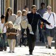 Angelina Jolie quer cuidar dos seis filhos: 'Eu quero acompanhá-los na adolescência'