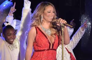 Mariah Carey usa look decotado em inauguração de árvore de Natal em Nova York