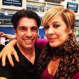Na véspera de seu aniversário, Claudia Raia postou uma foto ainda no aeroporto com o namorado, Jarbas Homem de Mello