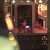 Nathalia Dill e Sergio Guizé são fotografados juntos em restaurante do Rio