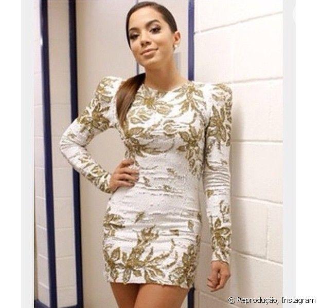 Anitta usa vestido Zuhair Murad avaliado em R$ 30 mil, em 10 de dezembro de 2014