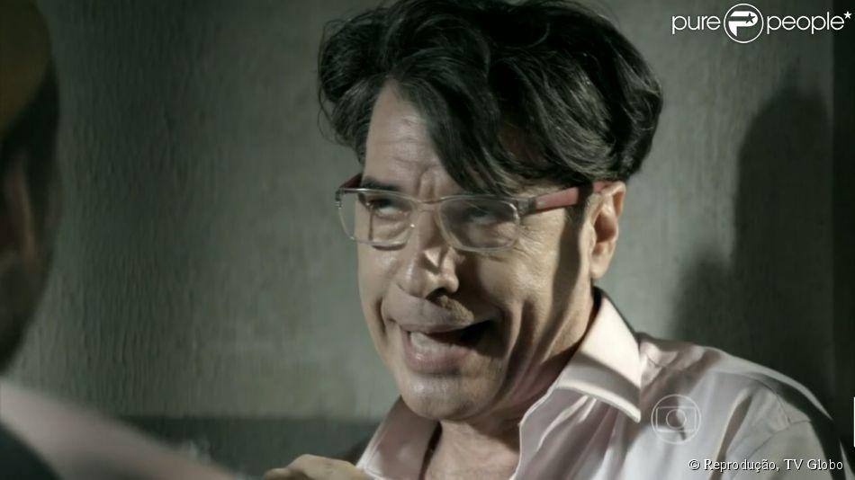Téo Pereira diz na novela 'Império' que Paulo Betti é gay, no capítulo exibido em 17 de dezembro de 2014