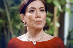 'Império': Marta suspeita que José Alfredo está vivo e ameaça torturar Cristina