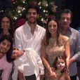 Kaká e Carol Celico passam Natal junto com os filhos na casa da família da blogueira, em 24 de dezembro de 2014