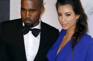 Kanye West leva namorada, Kim Kardashian, para visitar túmulo da mãe dele
