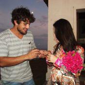 Rafael Cardoso faz casamento surpresa para Mariana Bridi em Fernando de Noronha