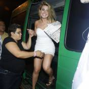 'BBB13': Fernanda comemora prêmio junto de ex-BBBs em boate do Rio