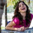 Itália (Sabrina Petraglia) vai namorar Fernando (Marat Descartes), na novela 'Alto Astral'