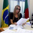 Francieli Medeiros disse que ia usar sala do Foro Regional para o 'Encontro', mas gravou vídeo do 'BBB'