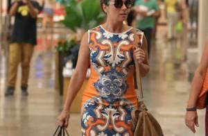 Giovanna Antonelli usa vestido justo para tarde de compras em shopping do Rio