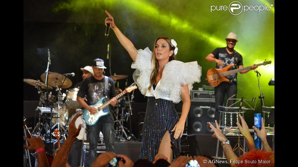 Ivete Sangalo cantou sucessos como 'Cadê Dalila' e 'Beijos de hortelã'