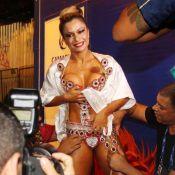 Dani Sperle usa tapa-sexo de 4 cm em desfile no Rio: 'Prova de carinho'