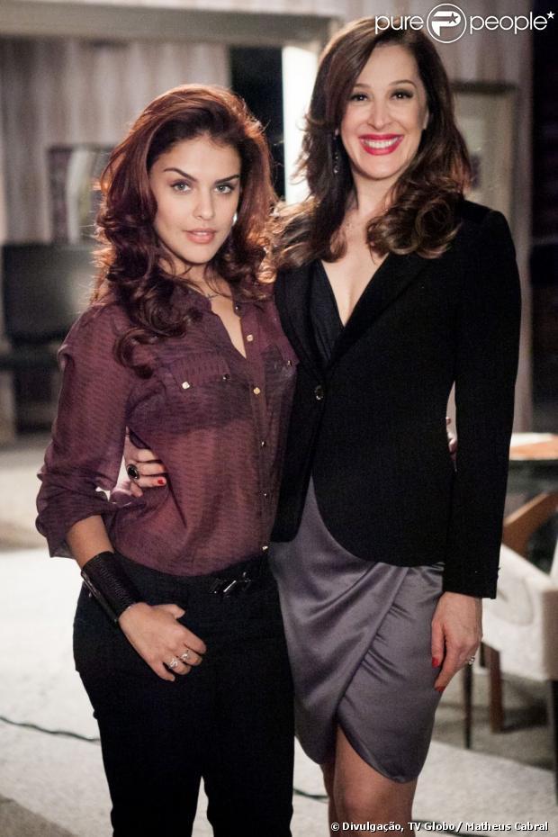 Rosângela (Paloma Bernardi) é promovida a assistente direta de Lícia Marini (Claudia Raia), a chefona do tráfico humano em 'Salve Jorge', em 22 de abril de 2013
