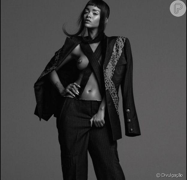 Rihanna posa sensual para a revista 'AnOther', em fotos divulgadas em 17 de fevereiro de 2015