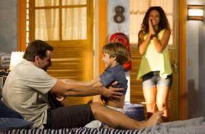 'Flor do Caribe': Taís (Débora Nascimento) ajuda Cassiano a ver o filho