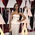 Kerry Washington usou vestido Miu Miu no Oscar 2015