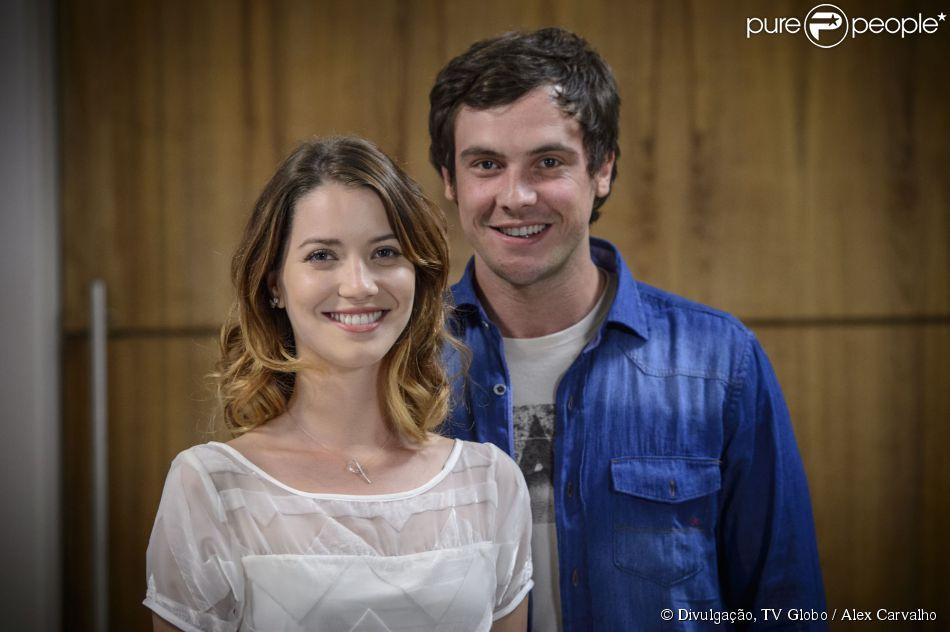 Após muitas idas e vindas, o casal Caíque (Sergio Guizé) e Laura (Nathalia Dill) finalmente terá um encontro emocionante