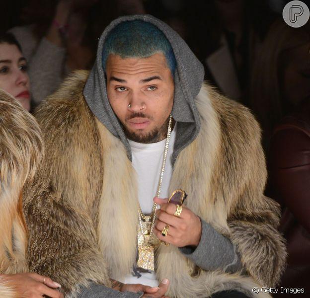 O showbizz foi acordado com uma bomba nesta quarta-feira, 4 de março de 2015. O site 'TMZ' anunciou que cantor Chris Brown é pai de uma menina de nove meses. A criança é fruto de um relacionamento com uma modelo de 31 anos