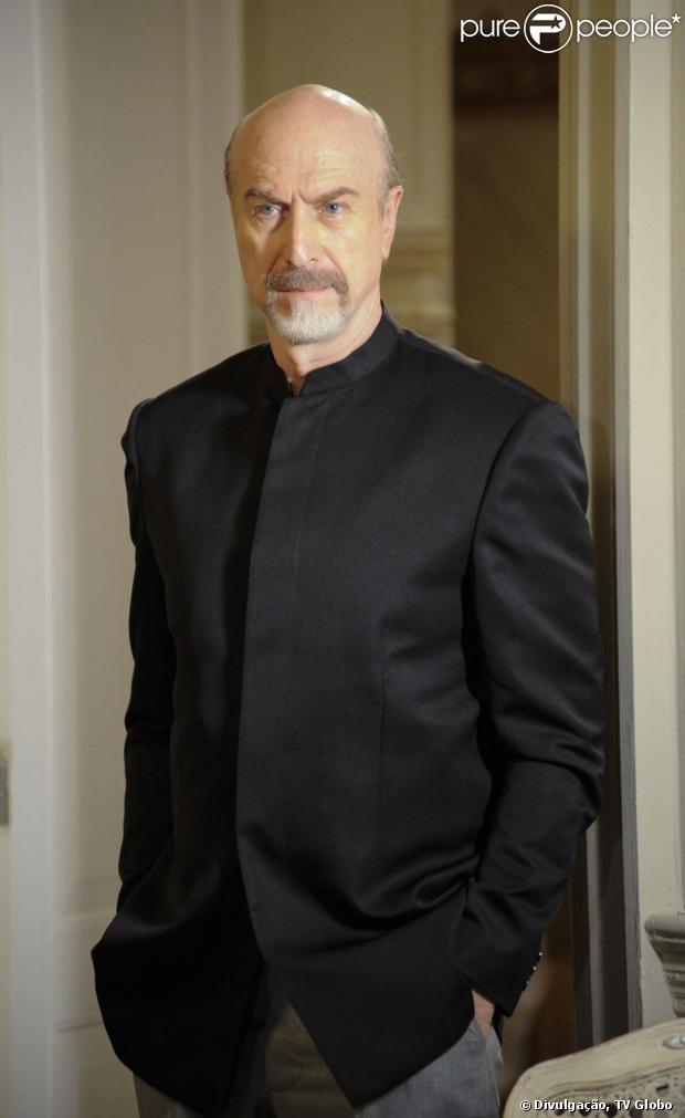 Thompson, interpretado por Odilon Wagner em 'Salve Jorge', será sequestrado a mando de Lívia Marine, conta coluna em 26 de abril de 2013