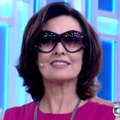 Fátima Bernardes experimenta óculos de Hebe Camargo no 'Encontro': 'Orgulho'