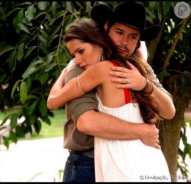 Deborah Secco e Murilo Benício foram os protagonistas da 'América', que completa 10 anos neste domingo, 15 de março de 2015
