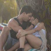 Manu Gavassi e Arthur Aguiar formam casal e trocam beijos em clipe de Tânia Mara
