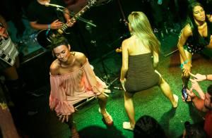 Thaila Ayala, de vestido curto, sobe ao palco e dança muito em show de Ludmilla