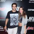 Bernardo Mesquita e a namorada marcaram presença no UFC Rio 6