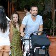 Rafael Cardoso abre mão do futebol com os amigos para exercer funções como pai