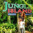 Rafa Justus e Ticiane Pinheiro posam na Jungle Island em Miami, nos Estados Unidos