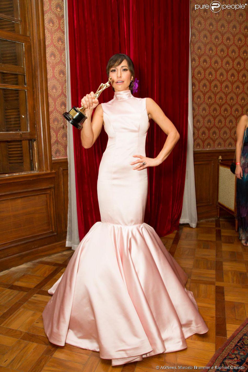 Sabrina Sato vence prêmio de Melhor Apresentadora no Geração Glamour, em 26 de março de 2015