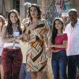Em cena, Bruna Marquezine e Solage Bandim demonstram emoção ao conhecerem Aisha (Dani Moreno), que foi roubada da mãe, Delzuite (Solange Baldim)