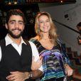 Luana Piovani prestigia  Prêmio Zilka Sallaberry de Teatro Infantil ao lado do marido, Pedro Scooby