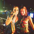 A modelo passou o Carnaval em Salvador e curtiu o trio de Ivete Sangalo. 'Rainha', legendou na foto com a cantora