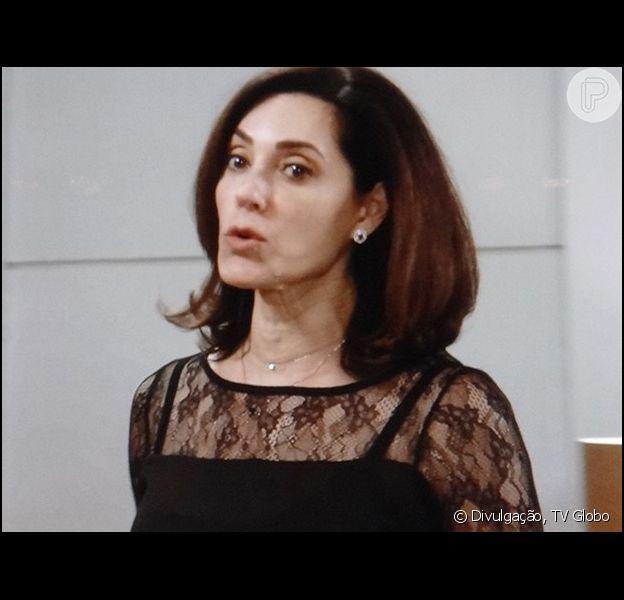 Maria Inês (Christiane Torloni) descobre armação de Marcos (Thiago Lacerda) e promete afastá-lo do comando do hospital, em 'Alto Astral', em abril de 2015