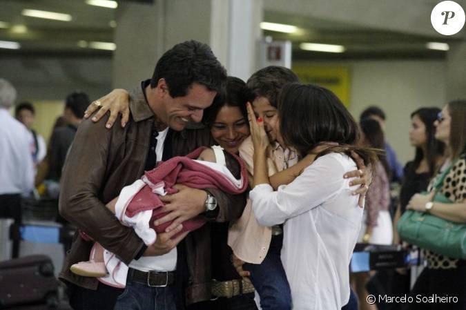 Nanda Costa beija Luiz Felipe Mello em gravação de 'Salve ... Felipe Salve