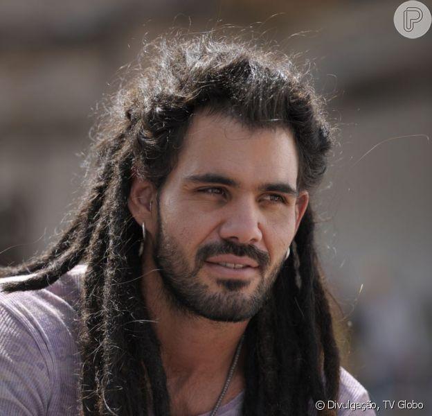 Juliano Cazarré desmente boato de que estaria envolvido com Palla Oliveira, em 18 de maio de 2013