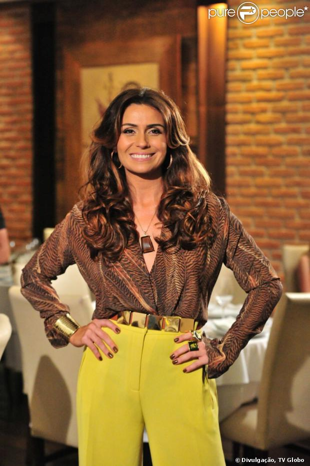 Giovanna Antonelli vai cantar em cenas do filme 'SOS Mulheres ao Mar', segundo coluna em 19 de maio de 2013