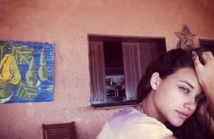 José Loreto posta foto da namorada, Débora Nascimento: linda até de cara lavada