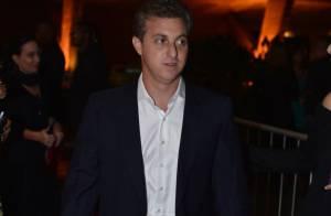 Luciano Huck processará Rafinha Bastos, que o chamou de 'playboy inconsequente'