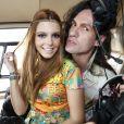 Giovanna chegou no festival 'Tomorrowland' de helicóptero com Dudu Bertholini