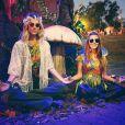 'O fantástico mundo de Giovannas', brincou a atriz na foto com Giovanna Ewbank