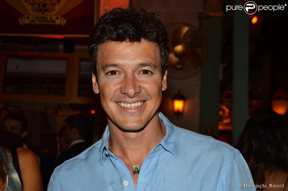 Rodrigo Faro recebe R$ 2,2 milhões na Record com merchan e salário e comemora sucesso: 'Incomodando Faustão'