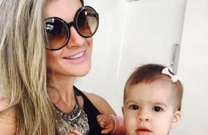 Mirella Santos posa com a filha, Valentina, e fãs comentam: 'Xerox do Ceará'